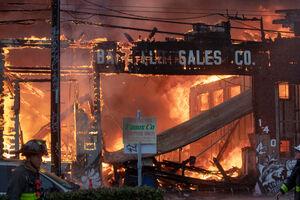 فیلم/ آتش سوزی در ساختمانی تجاری در هالیوود