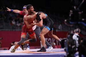 محمدرضا گرایی قهرمان جهان را شکست داد