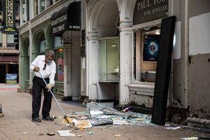 فیلم/ خسارات به جا مانده از غارت فروشگاههای شیکاگو