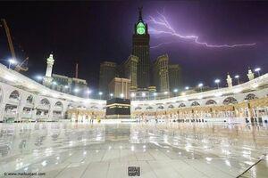 تصویری از رعد و برق در آسمان مکه
