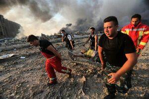 فیلم/ تلاش برای نجات افراد زیر آوارمانده در بیروت