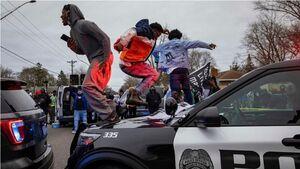 زبانه کشیدن مجدد آتش اعتراضات و ناآرامیها در آمریکا / راشاتودی: جامعه آمریکا ازهمگسیخته شده است + تصاویر