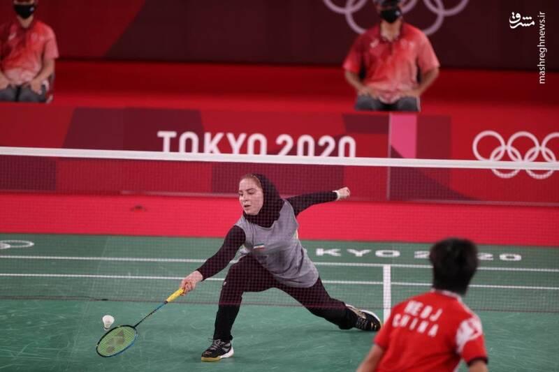 ثریا آقایی نخستین زن تاریخ بدمینتون ایران در بازیهای المپیک، در دومین دیدار خود با نتیجه ۲ بر صفر به نفر اول چین و هشتم جهان باخت.