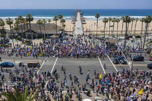 تظاهرات برای لغو قرنطینه در کالیفرنیا