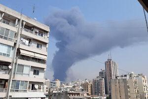 فیلم/ آتش سوزی در یک مجتمع تجاری در بیروت