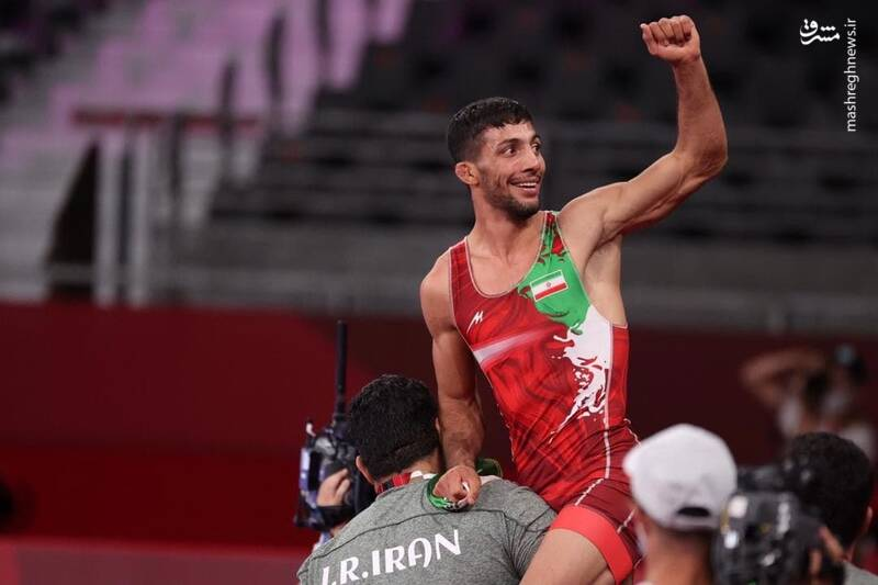 محمدرضا گرایی قهرمان المپیک شد/ ثبت نخستین طلای کشتی ایران +عکس و فیلم