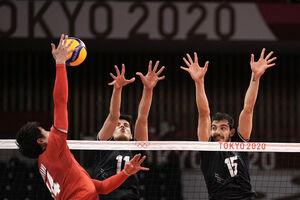 عکس/ رقابت تیم ملی والیبال ایران و ژاپن در المپیک