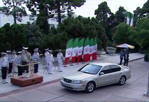 عکس/ روحانی با چه خودرویی به مراسم تحلیف آمد