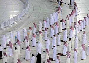تصاویر جدید از نماز جماعت در کنار کعبه